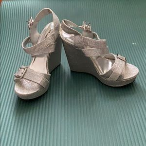 Shoes - Sparkly silver wedges